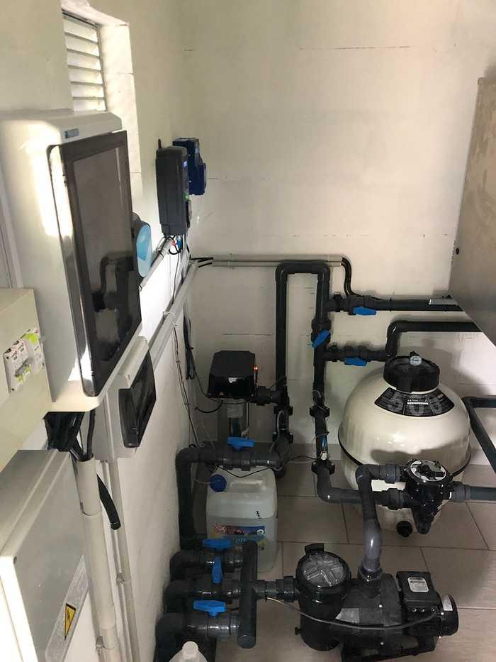 Installation d''une pompe avec déshumidification / Piscine intérieure 0