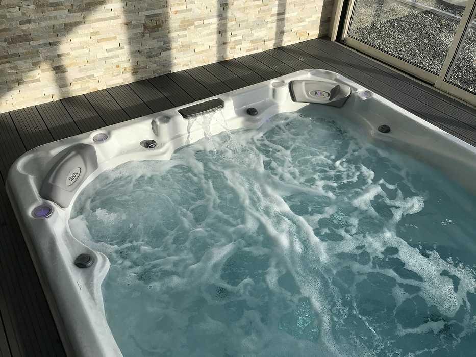 Spa de nage intérieur 0